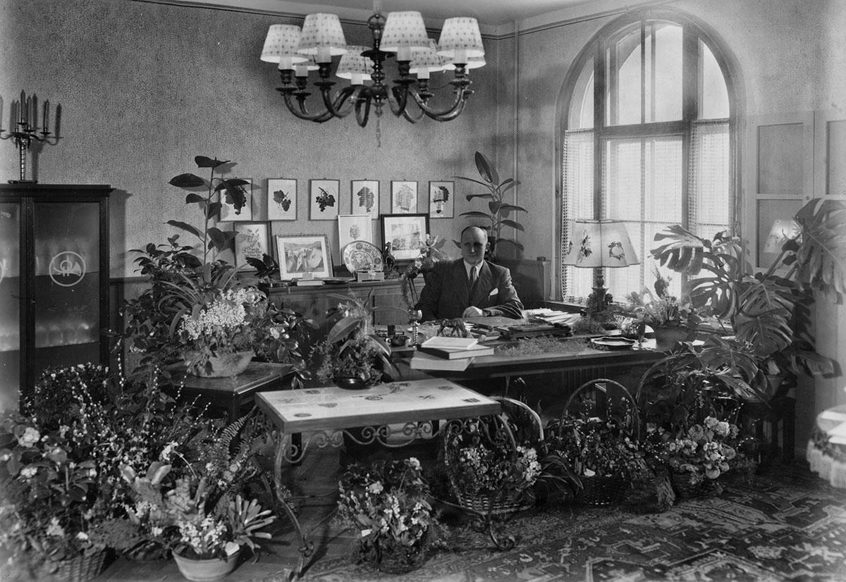 Wilhelm Horn in seinem Büro